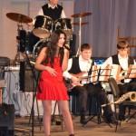 Kristelle, Kristellemusic, singer